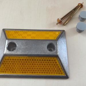 Алюминиевый двусторонний катафот КД-3