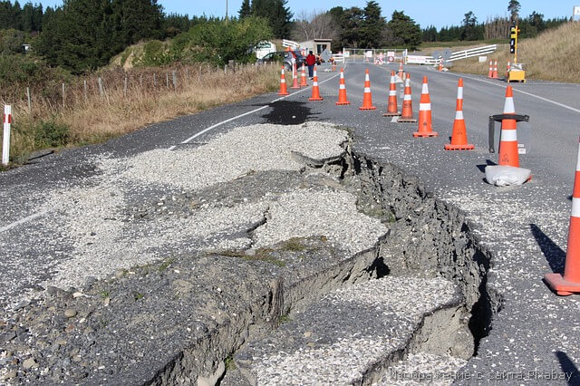 ямы на дороге фото